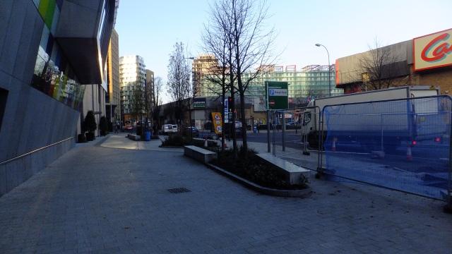 Wide paving. No cycle lane.
