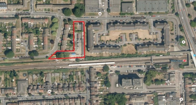 Area of land adjacent to western Crossrail platform