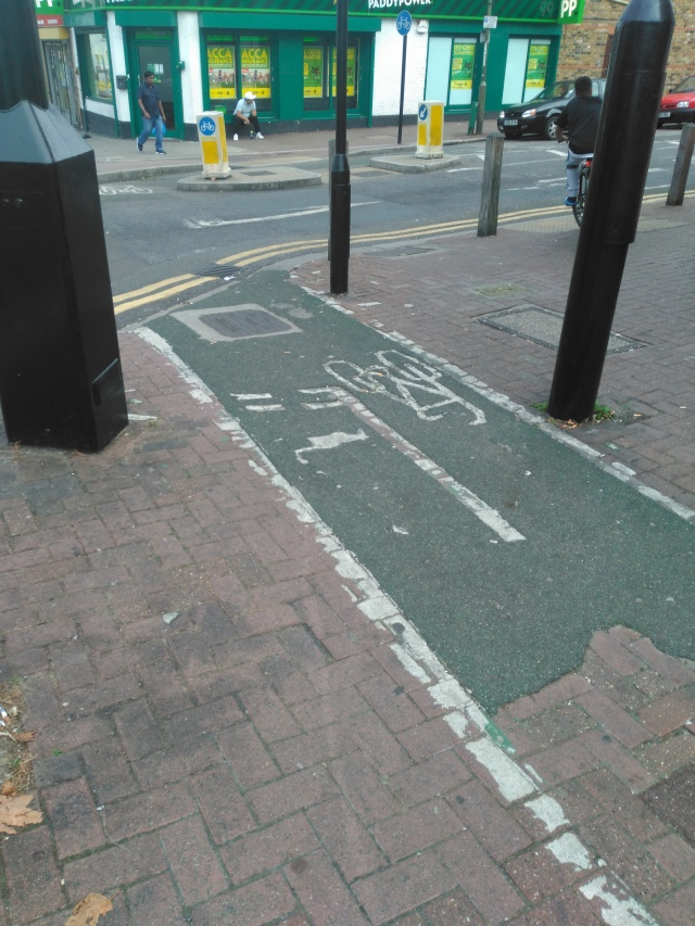 cycle-lane-mess