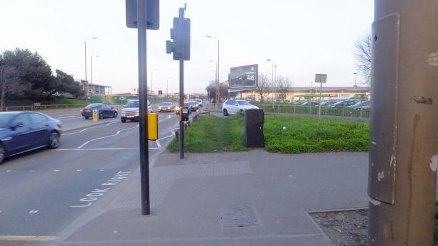 Charlton Retail park public realm (2)
