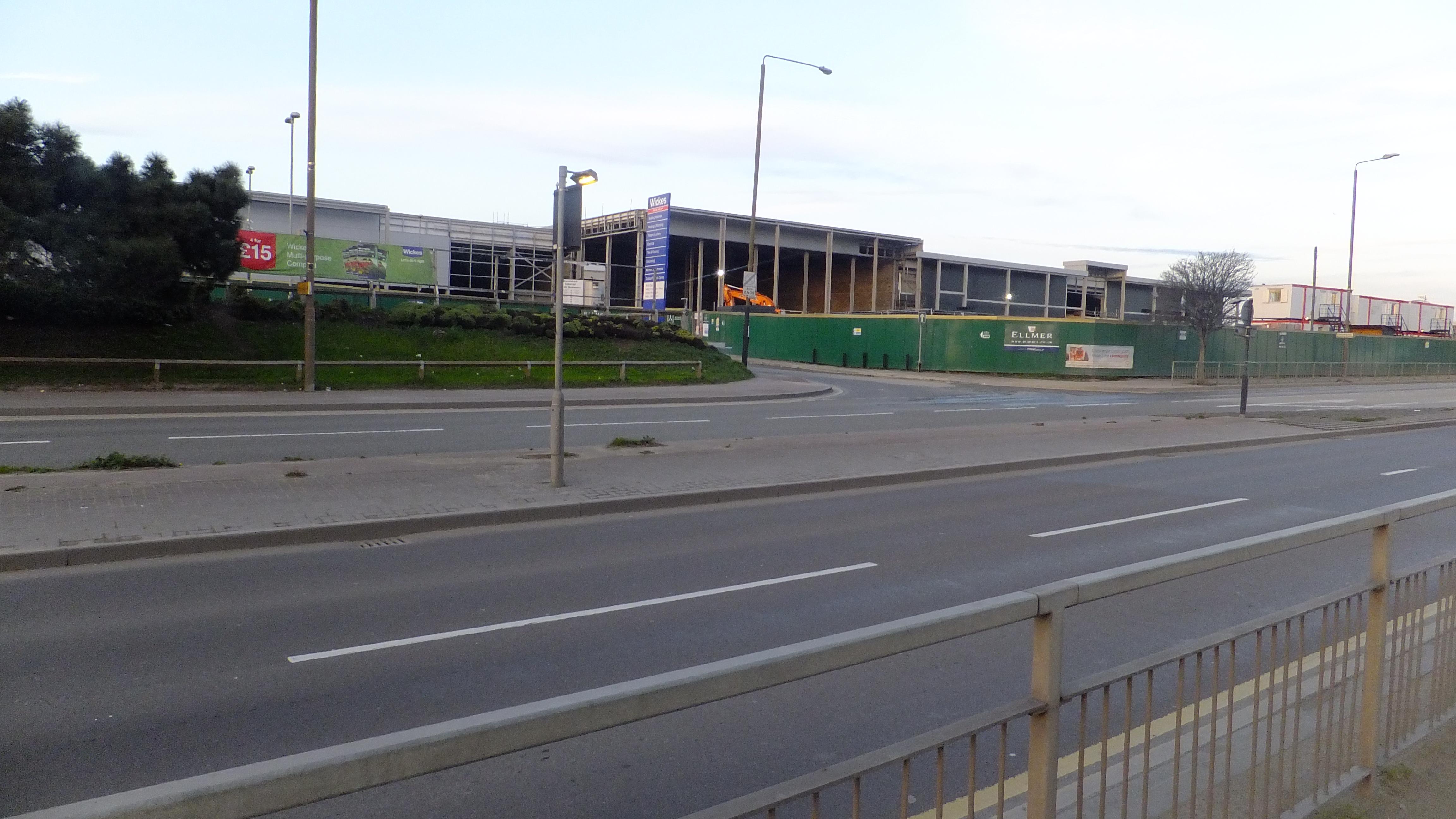Charlton Retail park public realm (5)